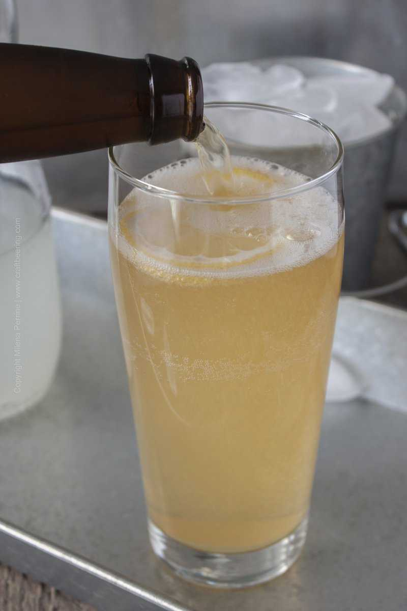 Add pilsner to sparkling lemonade and that's it. A radler.