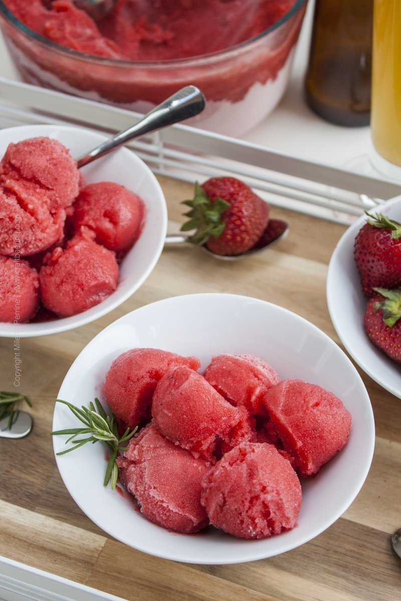 Scoops of ale strawberry sorbet = taste of summer