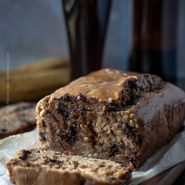 Beer Banana Bread with Dunkelweizen Beer Glaze #beerbread #bananabread #beerbananabread #dunkelweizen #beerglaze #beericing
