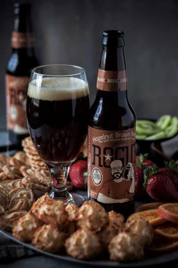 Beer Chocolate Fondue with Hazelnut Brown Nectar ale. #beerchocolatefondue #beerfondue #chocolatefondue #alefondue