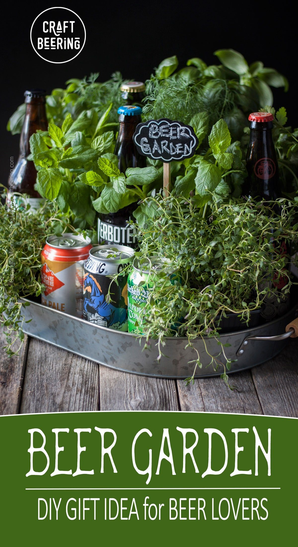 Beer garden gift idea. DIY gift for beer lovers. #beergarden #biergarten #beergift #beerlovergiftidea #herbgarden #fathersday #mothersday