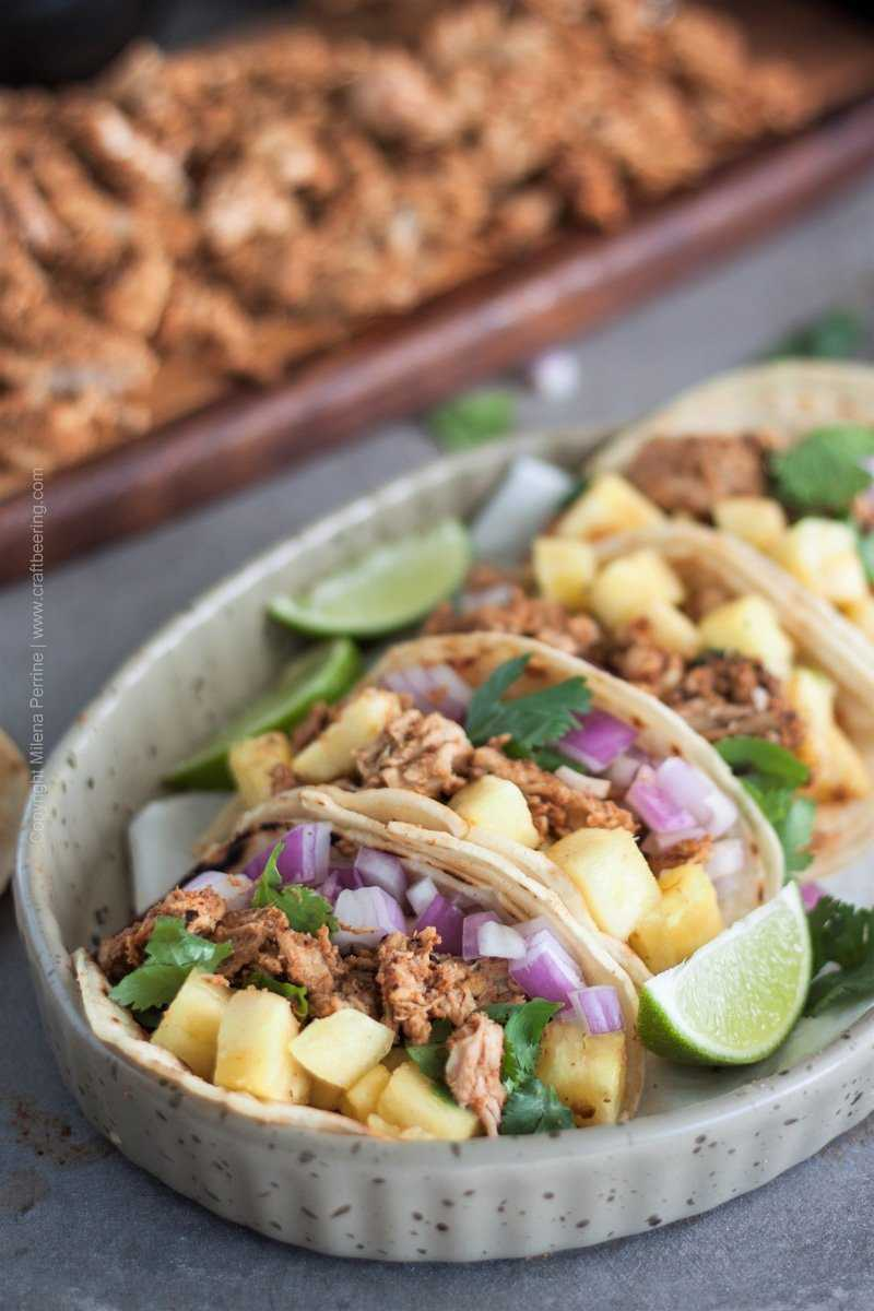 Tacos al pastor | Juicy pork meat, street taco sized corn tortillas, fresh toppings.