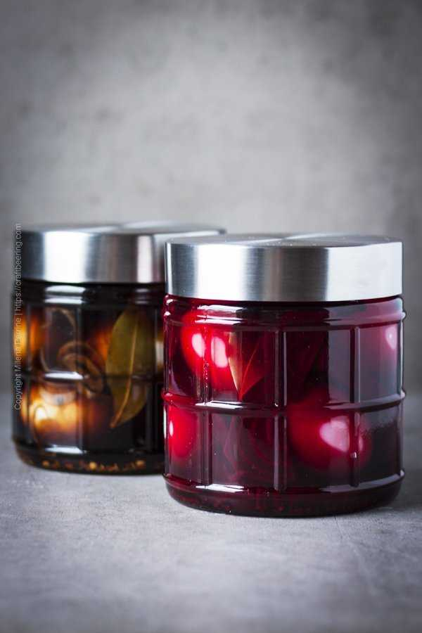 Jars with pickled eggs - balsamic spicy version and red beets version.