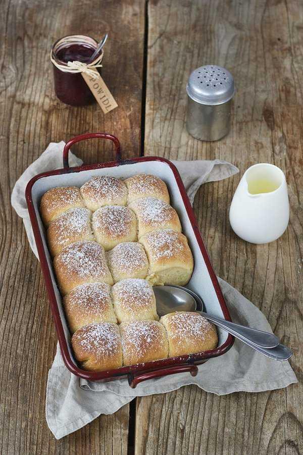 German sweet milk rolls aka Buchteln with vanilla sauce