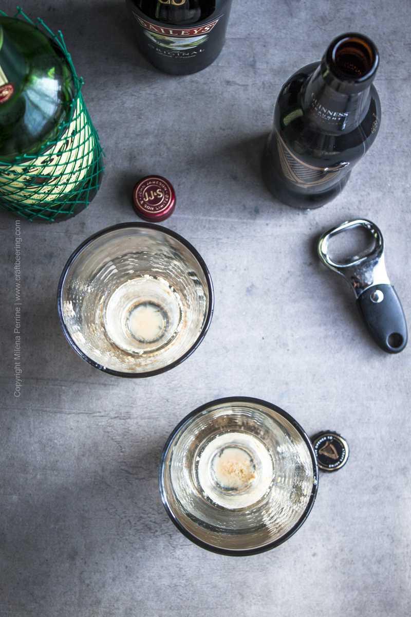 Empty shaker pints